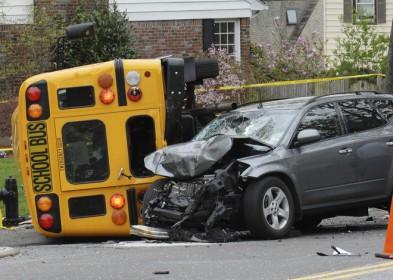 Los Mejores Abogados en Español Expertos en Demandas de Accidentes de Camión en Riverside California